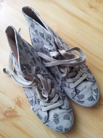 papuci pret (2)